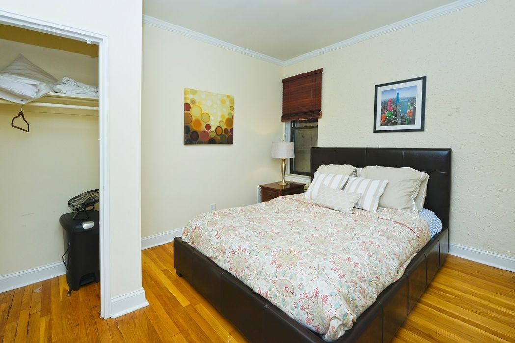 Student accommodation photo for York Ave & 82nd in Upper East Side, New York