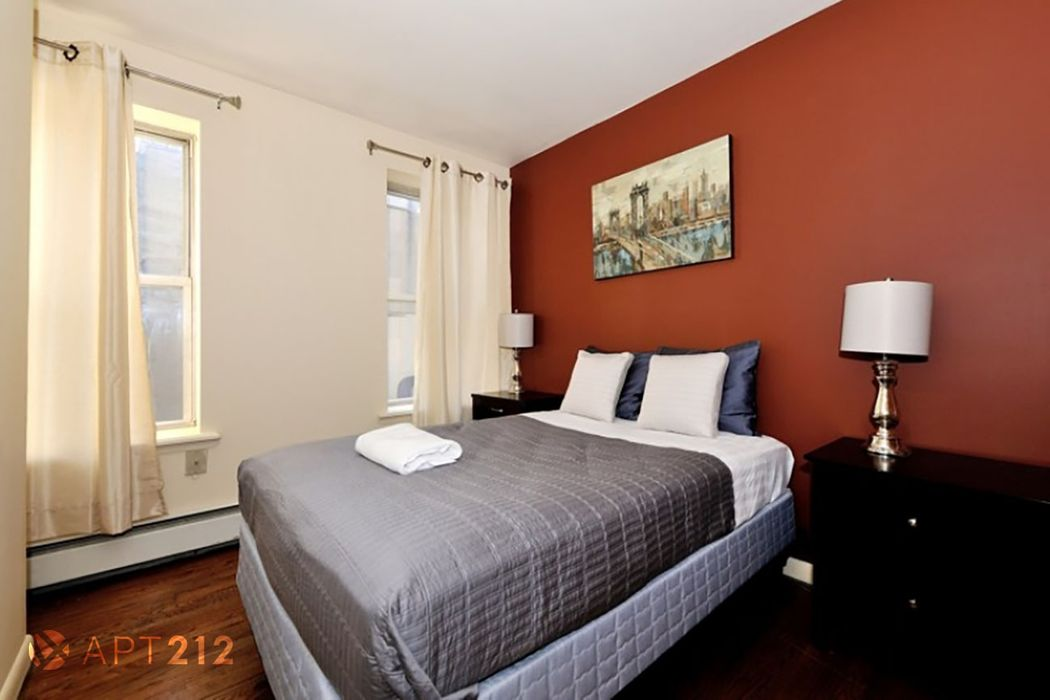 Student accommodation photo for 52nd & 2nd Avenue in Midtown, New York