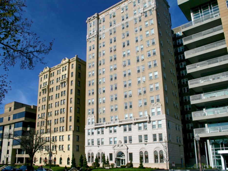 Student accommodation photo for Park Royal Apartments in Central West End/Debaliviere Place, St. Louis, MO