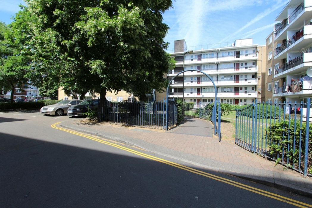 Hookham Court, Deeley Road SW8 4XL