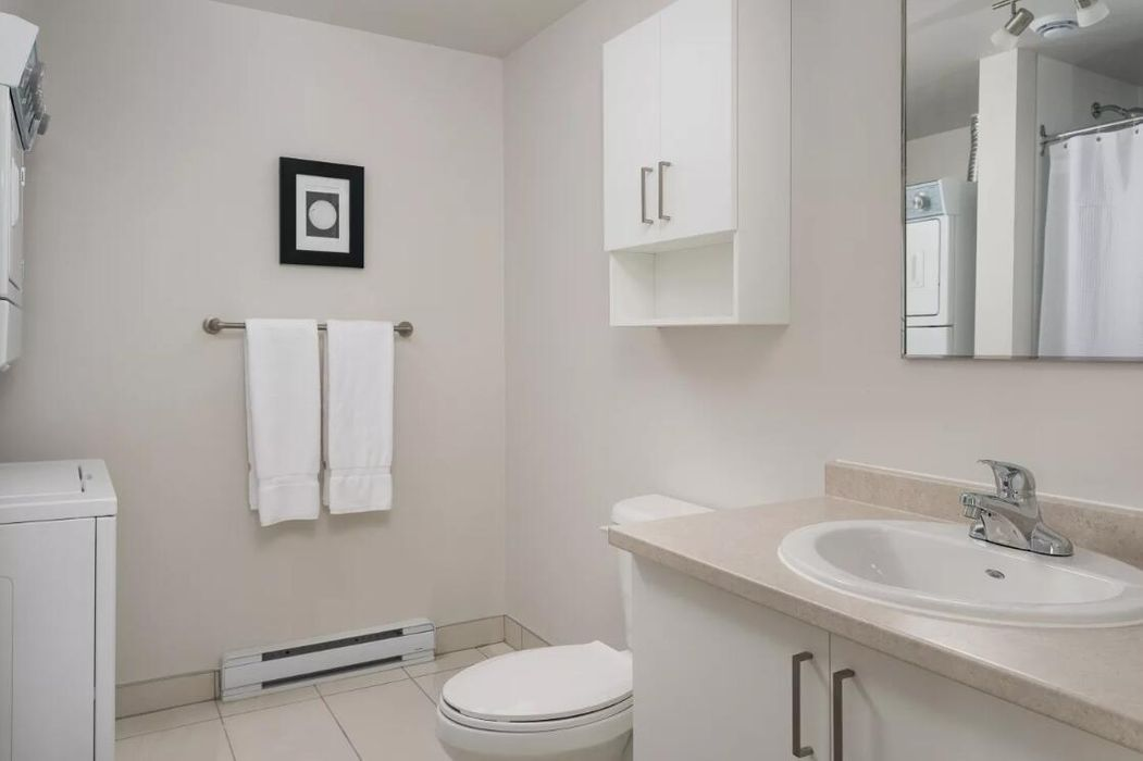 Romantic 2BR in The Village by Sonder
