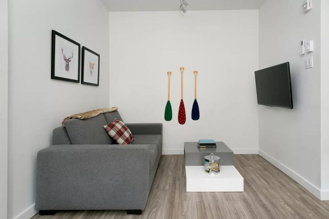 Bohemian 1BR in Downtown Montreal by Sonder