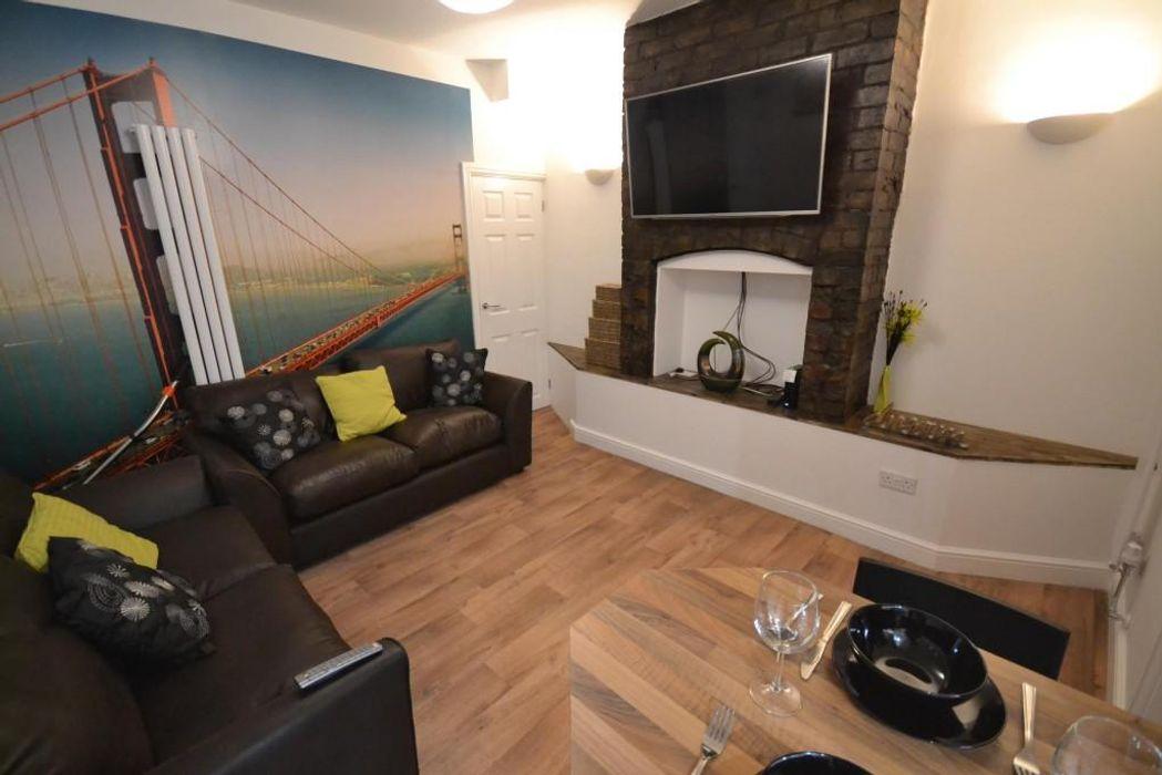 Student accommodation photo for 37 Broadgate - Beeston in Beeston, Nottingham