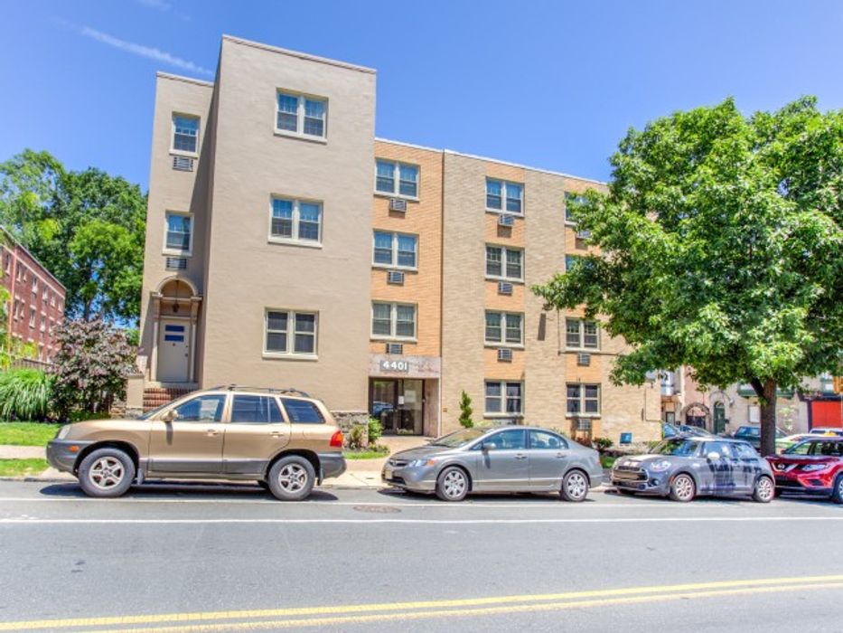 Student accommodation photo for 4401 Spruce Street - Campus Apartments in West Philadelphia, Philadelphia