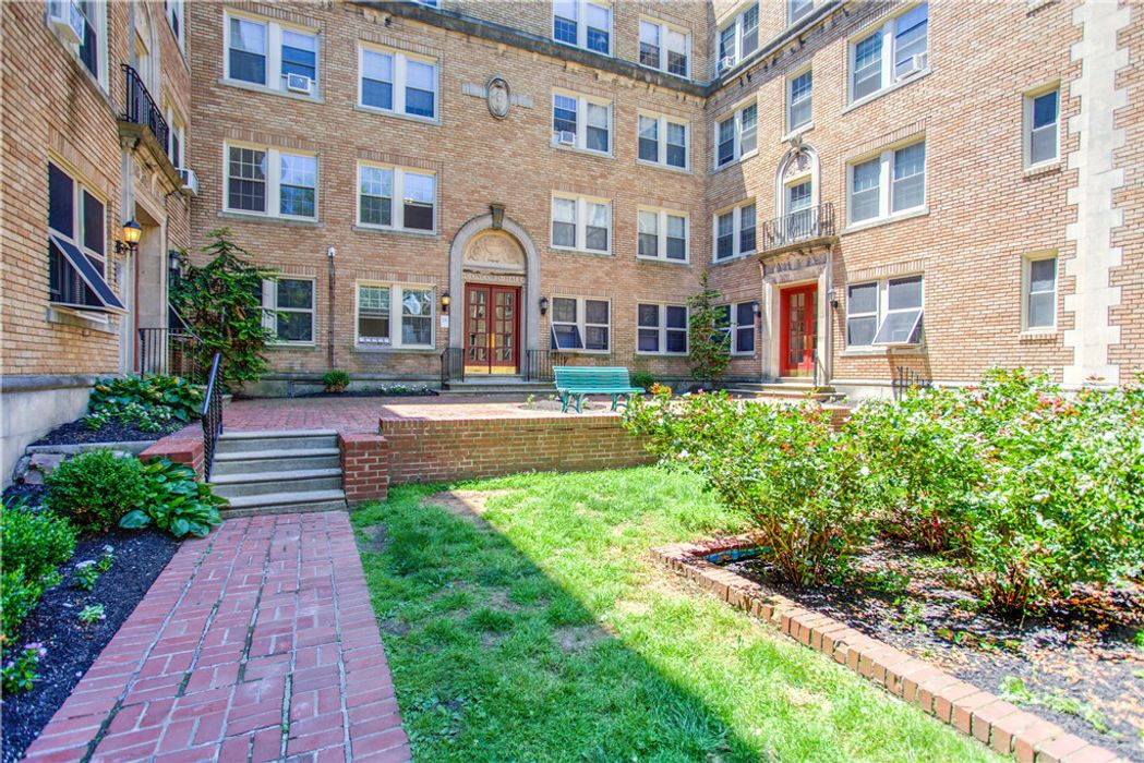 Student accommodation photo for 4418 Spruce Street - Campus Apartments in Spruce Hill, Philadelphia
