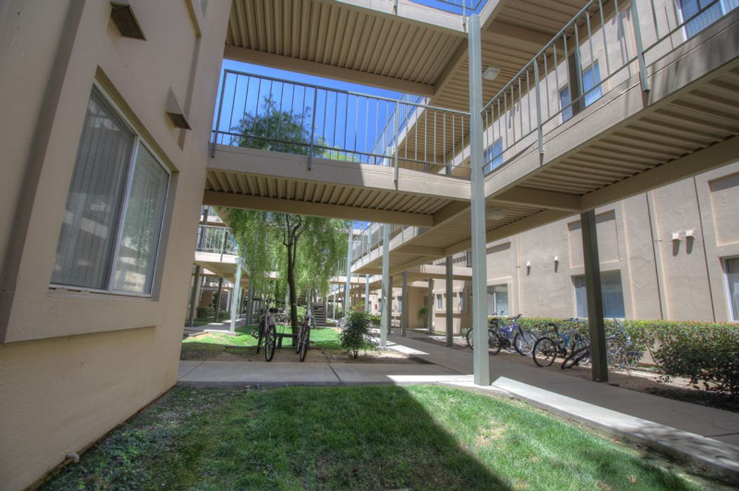 Student accommodation photo for Lakeshore Apartments in West Park, Davis, CA