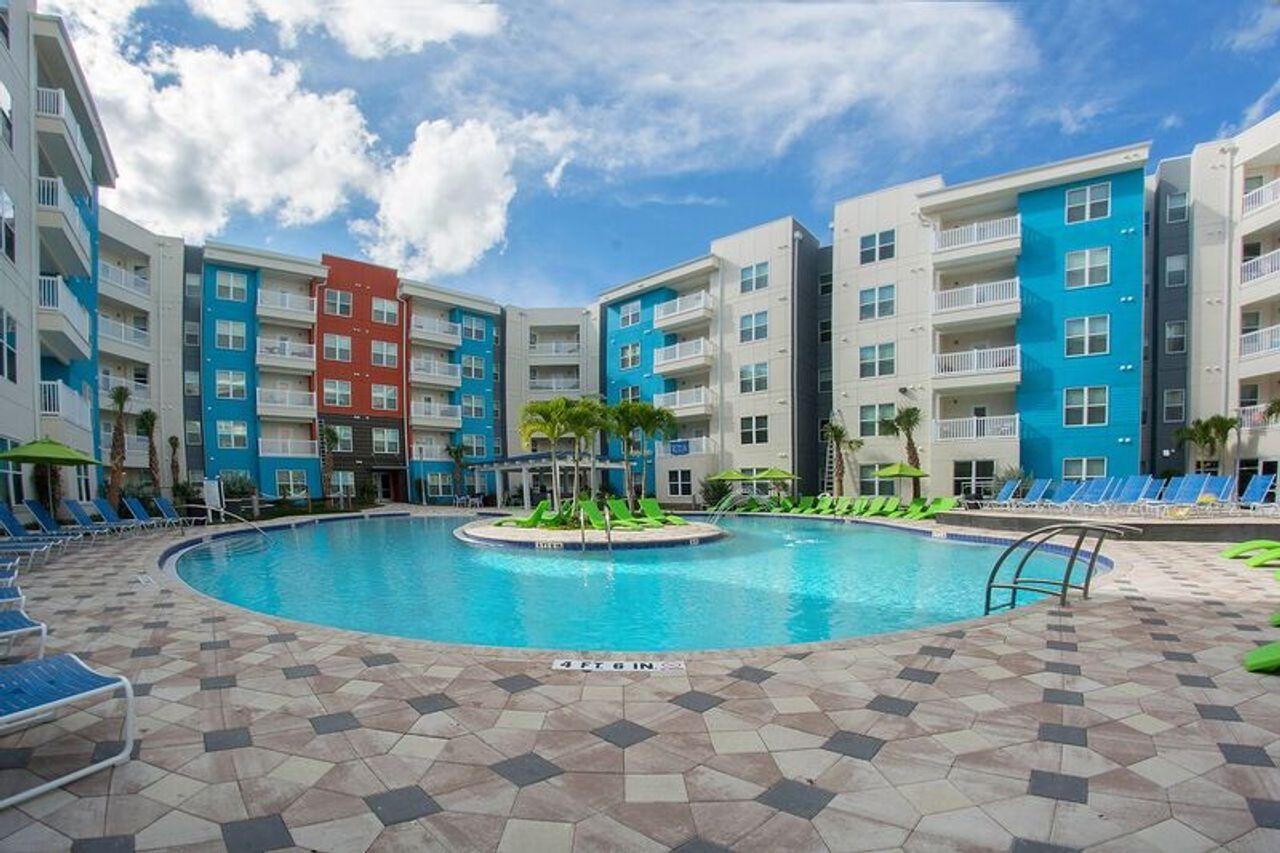 Iq Luxury Apartments Tampa
